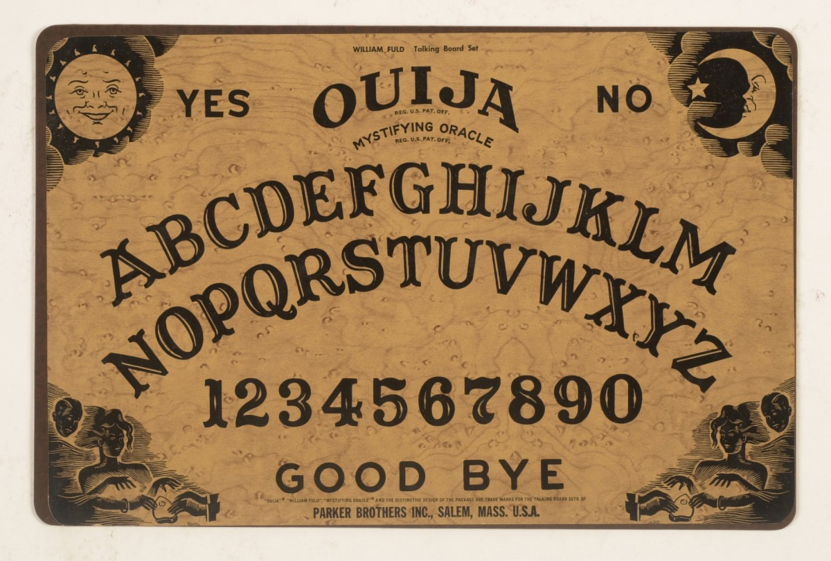 KRT LIFESTYLE STORY SLUGGED: HBY-OUIJA KRT PHOTOGRAPH BY G.L. BOOKER/KANSAS CITY STAR (November 4) Parker Brothers' Ouija board. (lde) 2004