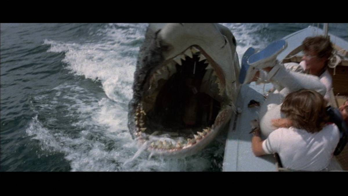 Jaws 2 9
