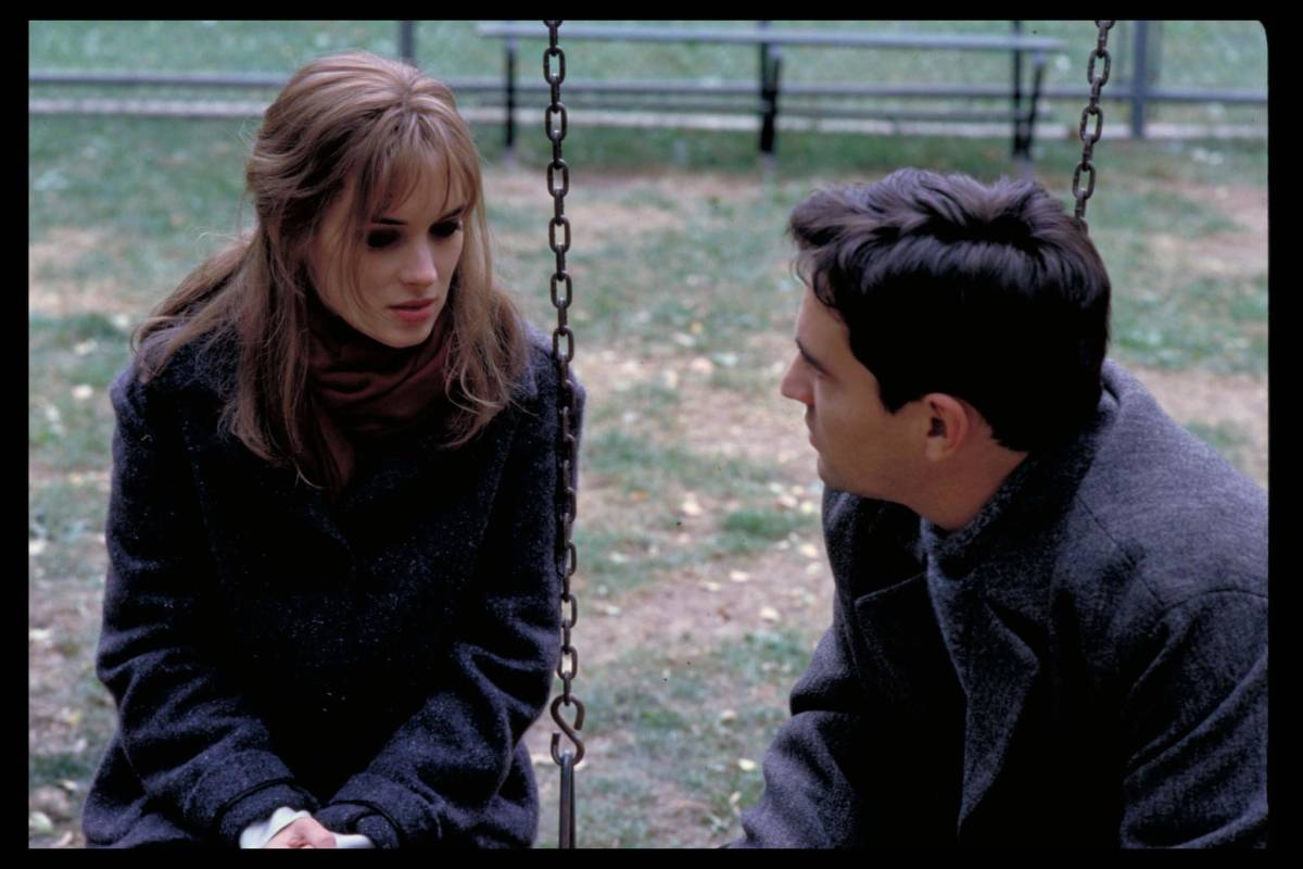 winona-ryder-and-ben-chaplin-in-lost-souls-(2000)
