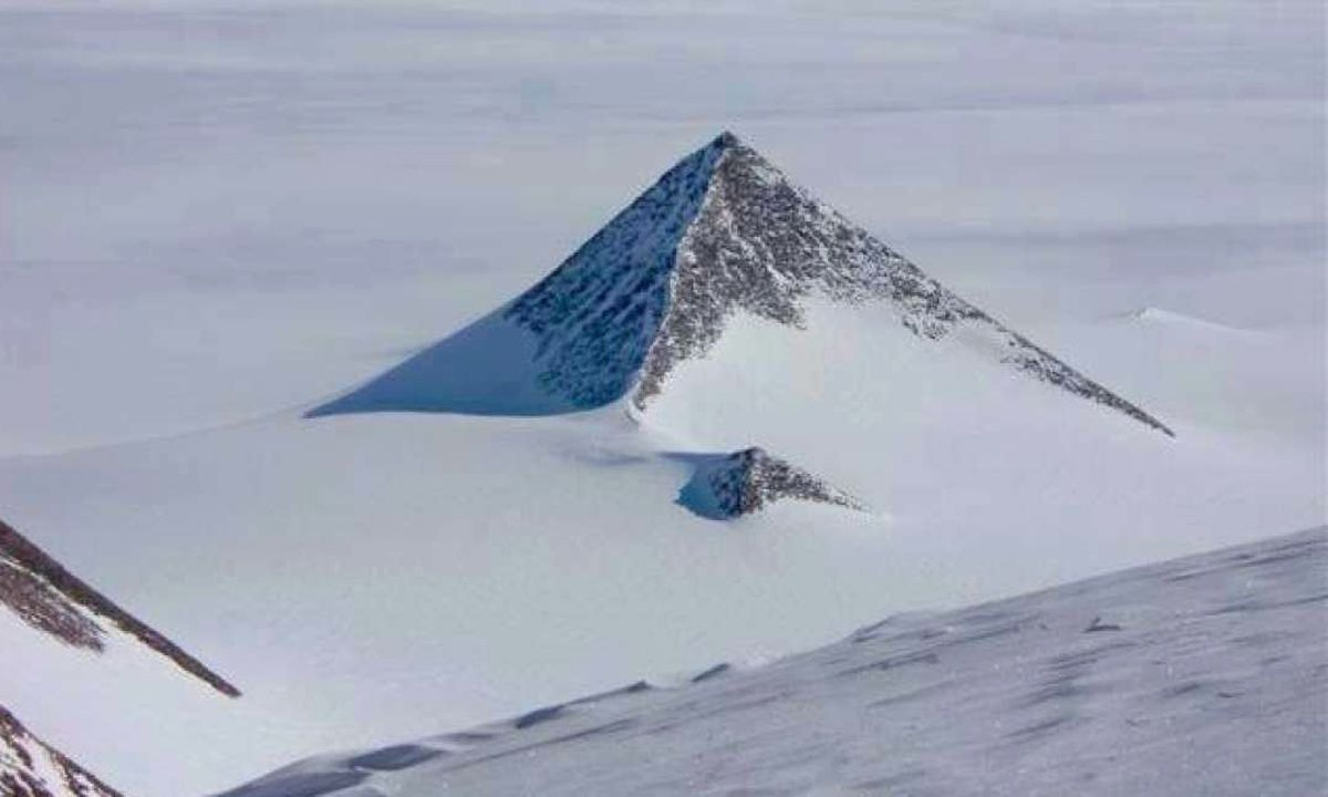 antarctic_pyramid_02