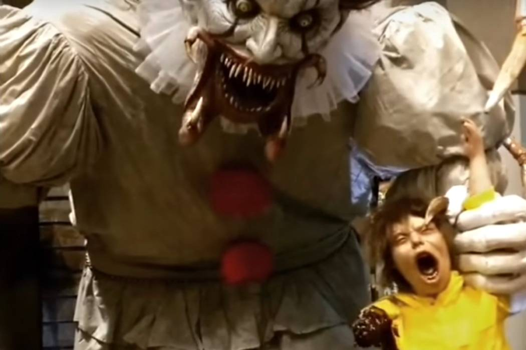 this towering animatronic pennywise hints at it s final form the